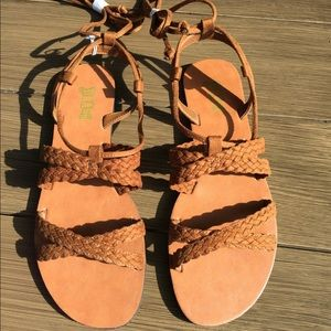 Brash Gladiator Sandals size 8 1/2 tan